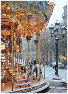 Carousel in Snow, Paris (possibly Hotel de Ville) - looking for photographer, pls contact me