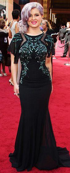 I kinda like Kelly Osbourne's dress, but her hair looks like a filthy My Little Pony's tail. #Oscars