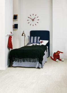 Laminaatti tarkett Lamin'art White and hype Easy, Interior Design, Bedroom, Furniture, Home Decor, Laminate Flooring, Laminate Flooring, Timber Flooring, Kids Rooms