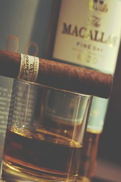 cigare and whisky for men