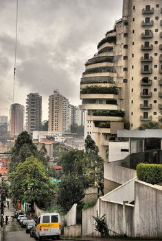 Favela Paraisopolis 3  Contrasts Sao Paulo Oct 2011 by Roberto Rocco, via Flickr