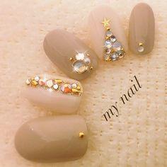 Manicure: Nude sparkles