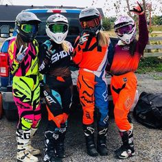 Motocross Couple, Motocross Love, Motocross Girls, Motocross Gear, Dirt Bike Riding Gear, Atv Riding, Dirt Biking, Fille Et Dirt Bike, Triumph Motorcycles