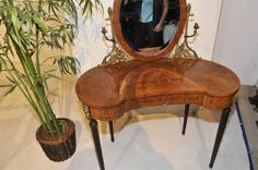 "SellPin.com: Sell your Pinned Items on Pinterest. $1750. Vanity Dressing Table French Antique Louis XVI, Adjustable Mirror with Bronze. <img src=""http://imagehost.vendio.com/img/spacers/pixel.gif"" border=""0""><p><!--VGMVAGRVKGEVRGFST--><!-- GVAVLVLVEVRVYV --> </p><center>  <script language=""javascript1.1""> <!--    var MM_contentVersion = 6;   var flashplugin = (navigator.mimeTypes && navigator.mimeTypes[""application/x-shockwave-flash""]) ?…"