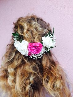 pink garden rose and white spray rose hair piece by love in bloom florist key west