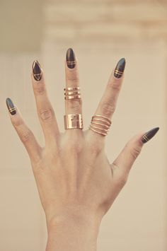 Cross Line 3 Midi Rings   http://www.gold-soul.la/collections/rings/products/cross-line-3-midi-ring-set