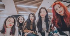 ITZY IS LOVE 💕 - - - - - {#ITZY#있지#ShinYuna#신유나#Yuna #ShinRyujin#신류진#Ryujin #LeeChaeryeong#이채령#Chaeryeong #HwangYeji#황예지#Yeji… Black Aesthetic Wallpaper, Aesthetic Wallpapers, Rapper, City Wallpaper, Kpop Aesthetic, Just The Way, My Princess, Beautiful Asian Girls, New Girl