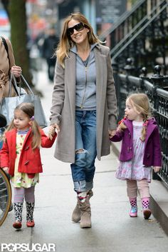 Sarah Jessica Parker With Loretta and Tabitha in NYC, the twins know how to keep up w/ the trends in their polka dot & leopard rain boots!