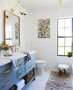 Some mid-week sales picks up on the blog today -- and really loving this bathroom @jennykomenda, so good! #beckiowensfeature