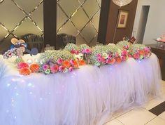 可愛いメインテーブルの代表チュール高砂で結婚披露宴を華やかに | marry[マリー]