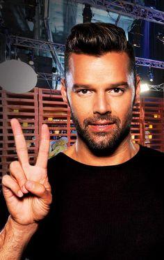 Haircut. Ricky Martin