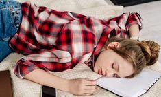 Έφηβοι και ύπνος: Πόσο κοστίζει στον έφηβο η στέρηση ύπνου; Trouble Sleeping, Sleep Medicine, Deep Breathing Exercises, Power Of Positivity, Sleep Quality, Science News, Chronic Illness, Virtual Reality