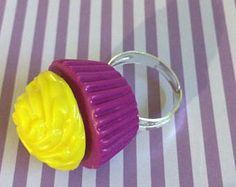 Bague cupcake violet et jaune