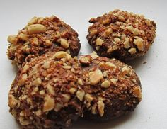 Easy Chocolate Cookies with Nuts' Top