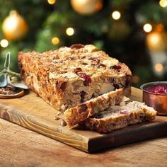 Try this easy tasty Quorn Meat Free Chicken Pieces and Chestnut Loaf recipe with Cranberries. Get Christmas dinner party recipes meal ideas from Quorn. Quorn Recipes, Loaf Recipes, Veggie Recipes, Cooking Recipes, Veggie Meals, Quorn Chicken, Dinner Party Recipes, Appetizer Recipes, Chestnut Recipes