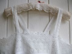 PRETTY ANTIQUE FRENCH NIGHTDRESS CHEMISE DE NUIT - HANDMADE BRODERIE ANGLAISE