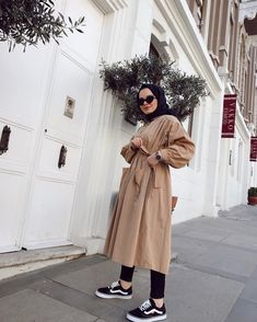 2019 Casual Fashion Trends For Women - Fashion Trends Modest Fashion Hijab, Modern Hijab Fashion, Casual Hijab Outfit, Hijab Chic, Muslim Fashion, Modest Outfits, Fashion Outfits, Niqab, Mode Style