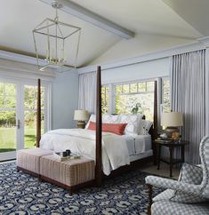 Traditional style bedroom with blue and pops of coral. Come see more interior design inspiration from Elizabeth Drake. Photo by Werner Straube. Classic Bedroom Decor, Bedroom Decor On A Budget, Traditional Bedroom Decor, Classic Living Room, Traditional Interior, Classic Interior, Cozy Bedroom, Home Interior, Modern Bedroom