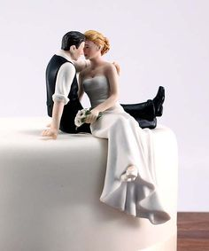 Unique Wedding Cake Toppers | Wedding Cake Toppers with Custom Figure