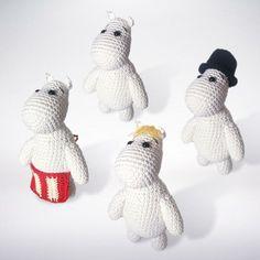 Crocheted Moomins Crochet pattern by CatKnit Crochet Fall, Cute Crochet, Crochet Gratis, Crochet Toys, Crochet Animals, Moomin, Christmas Knitting Patterns, Crochet Patterns, Universal Yarn