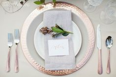Copper Place Setting, Copper Wedding Table Decor, Rustic Wedding Table Setting www.elegantwedding.ca