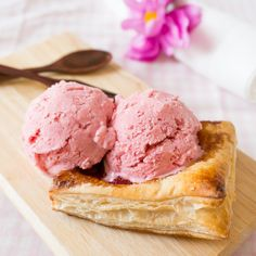 No-Churn Strawberry Yoghurt Ice Cream