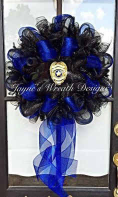 Support law enforcement. I'm loving this wreath from Jaynes Wreath Designs