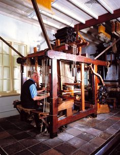 weaving Linen the old fashioned way