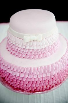 cake at a pretty in pink party #prettyinpink #cake #party #pink