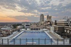 Hotel Emperador en Madrid #alojamiento #madrid #hotel #viajes #travel #travelling #viajar #españa #spain #piscina #pool #rooftop