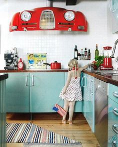 LOVE this!!  ...would coordinate with those 50's style diningroom tables with the red vinyl seats! Very cute