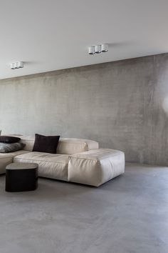 Extrasoft seating system by Piero Lissoni for Living Divani in leather. Looking fab as always!