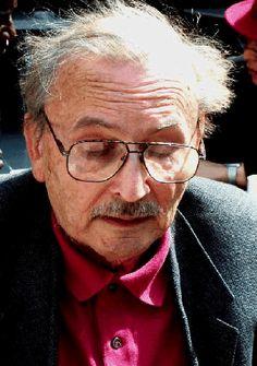 Claude Berge  le père de la théorie moderne des graphes. Claude Berge a compris que la notion de graphe pouvait être généralisée, que les théorèmes épars qui faisaient intervenir les graphes pouvaient être rassemblés en un unique corps et donner naissance à une théorie nouvelle: la théorie des graphes.