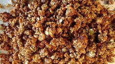 LCHF-arkivets egna goda granola är ett gott alternativ till müsli när du äter LCHF. Dock inget för den som äter strikt. Gott till frukost ibland.
