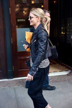Jennifer Morrison out in Tribeca on April 15 2016 in New York City.