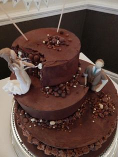 Archaeology cake - bride and groom digging into chocolate cake. Covered in ganache. Archaeology For Kids, Lab, For Elise, Cake Cover, Homemade Cakes, Eat Cake, Chocolate Cake, Cake Decorating, Groom
