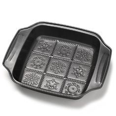 """Carbon steel, nonstick, dishwasher safe, 9"""" x 11"""" x 2""""Tips: Sprinkle treats with powdered sugar for a snowy effect."""