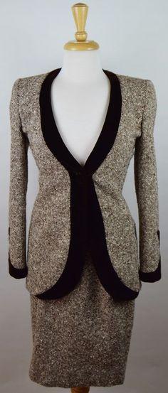 Carolina Herrera Sz 4 Brown White Tweed Velvet Trim Skirt Suit Set #CarolinaHerrera #SkirtSuit
