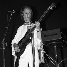 Richard Sinclair, bassist, vocalist, guitarist, songwriter for several Canterbury Scene bands, including Caravan, 64 today Photo, w. Camel, 1977