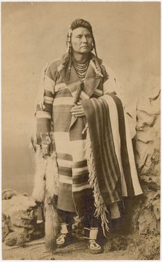 In Mut Too Yah Lat Lat or Chief Joseph (Nimi'ipuu or Nez Perce), delegation portrait possibly made in Washington, D. Photo by Charles Milton Bell, National Museum of the American Indian Archive Center. Native American Photos, Native American Tribes, Native American History, Indian Tribes, Native Indian, Indian Art, First Nations, Chef Joseph, Cherokee