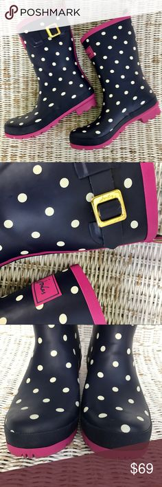 ||EUC || JOULES || 'Molly Welly' Navy blue wellies with cute white polka dots and pink accents. The perfect boots for a rainy / snowy day!!! Very sturdy and well-made. ▪️Only worn once or twice ▪️Excellent condition -- only signs of wear on bottom of soles ▪️UK SIZE 7 || US SIZE 9 Joules Shoes Winter & Rain Boots