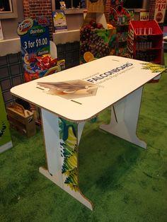 Construcción de Muebles de Exhibición con Falconboard