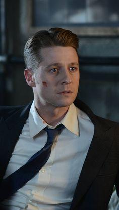 Gotham 2x11 - James Gordon (Ben McKenzie) HQ