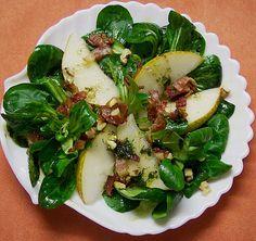 Feldsalat mit Birne, Bacon und Walnüssen, ein sehr leckeres Rezept aus der Kategorie Vollwert. Bewertungen: 14. Durchschnitt: Ø 3,8.