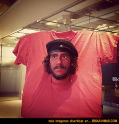Che Guevara is a popular guy, appearing on bumper stickers, posters and t-shirts everywhere. Check out this clever idea. a Che Guevara t-shirt costume! Tshirt Halloween Costumes, Best Halloween Costumes Ever, Halloween Karneval, T Shirt Costumes, Funny Halloween Costumes, Costume Dress, Cool Costumes, Unique Costumes, Halloween 2014