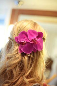 Orchids in the bride's hair. So pretty.
