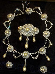 Triple Drop Pearl Parure owned by Queen Alexandra, consort of Edward VII. Must say, pretty impressive.