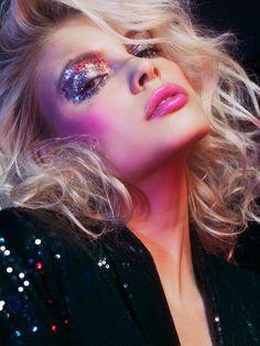 New Makeup Glitter Glam Halloween Ideas - Make Up Ideas 70s Disco Makeup, Retro Makeup, 1980s Makeup, Glam Rock Makeup, Nude Makeup, Beauty Makeup, 70s Hair And Makeup, 80s Makeup Looks, At The Disco