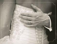 www.urbanbrides.co.il  דנה ואהרון, 2.3.11 | חתונות אורבניות  צילום: עדי כהן צדק  #wedding #bride #groom #wedding gown #hands #ring