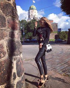 #newslickslegs#latexleggings#latexpants#spandexleggings#skintightleggings#skintightpants#wetlookblacklegs#shinyleggings#sexyleatherpants#leatherpants#wetlooktights#wetlookpants#leathertrousers#leatherdress#lycra#spandex#shiny#womenpower#чика#chicks#kinkygirl#dolly#barbiegirl#barbies#shiney#legsfordays#zarapants#calzedonia#leder